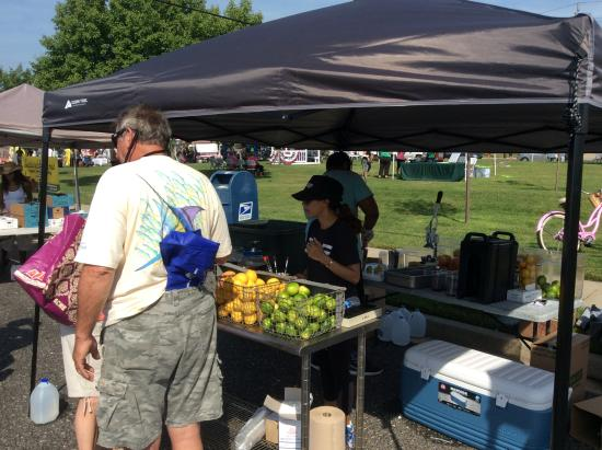 Brigantine, Nueva Jersey: One of our wonderful vendors providing fresh squeezed lemonades!