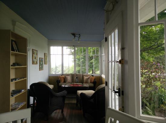 Newfield, Нью-Йорк: Living Room.