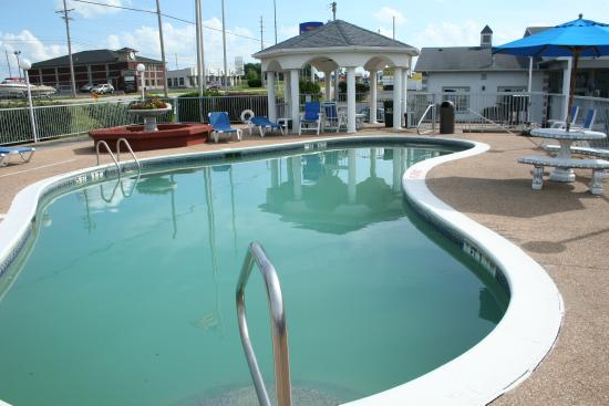 Baymont Inn & Suites Osage Beach: 1