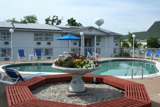 Baymont Inn & Suites Osage Beach: 2