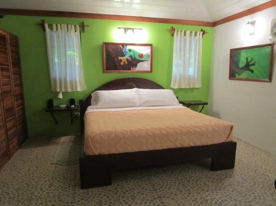 "The Toucan Stay Inn: ""Owner's Cabin"" King Bed"