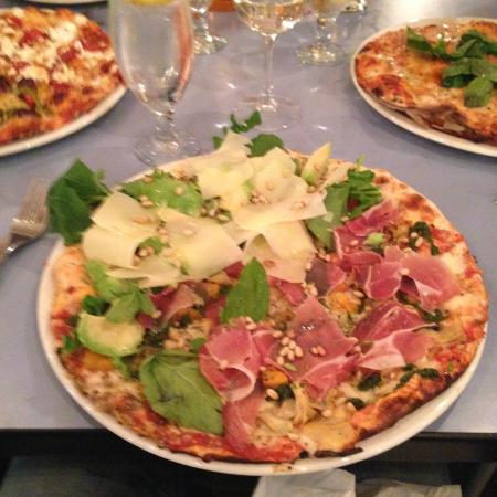 Toni's Fully Furnished Pizza Co.: A combination of 'I cannot remember' but it was good..
