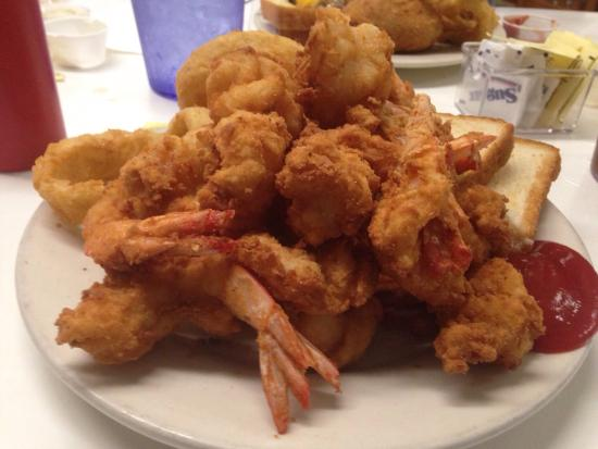 Port O'Connor, TX: Shrimp dinner at Cathy's!