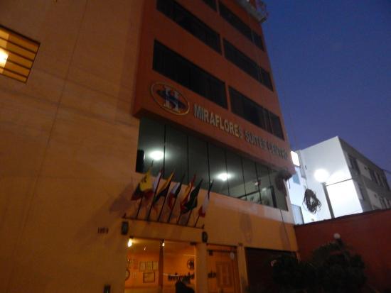 Miraflores Suites Centro: Vista da frente do Hotel