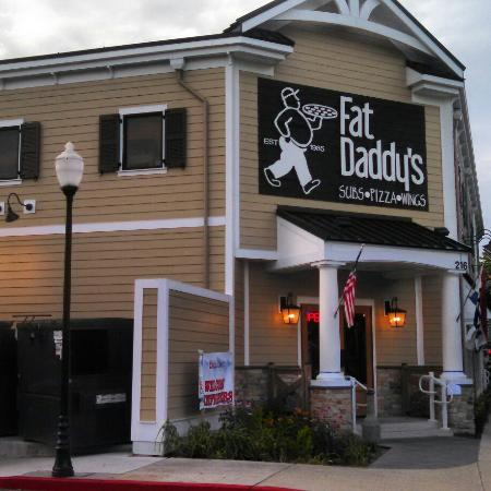 Fat Daddy's Subs Pizza Wings: Great new building