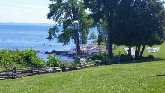 Shore Acres Inn & Restaurant: Afternoon on the lake