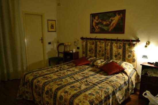 Piccolo Hotel: Room