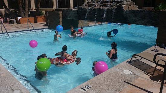 Holiday Inn Phoenix - Mesa/Chandler: Awesome Pool!