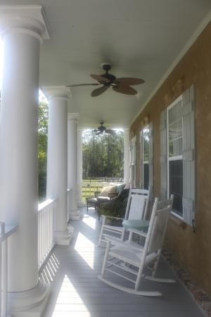 Waverly, GA: Beautiful Front Porch