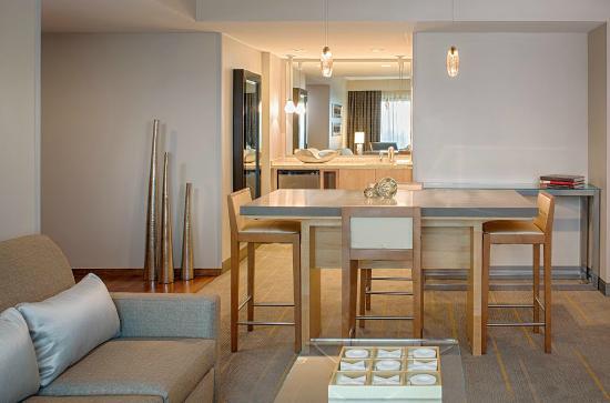 Hyatt Regency Santa Clara: Executive Suite