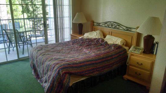 North Bay at Lake Arrowhead: The bed