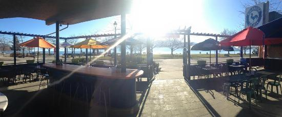 Blue Rooster Cafe: Beautiful view of the patio