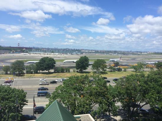 Courtyard New York LaGuardia Airport: photo1.jpg