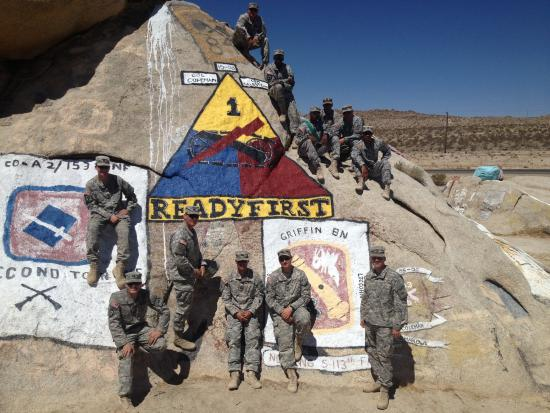 Fort Irwin, Kalifornien: Painted rocks.