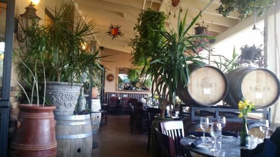 St. Clair Winery & Bistro: Beautiful Dining Areas