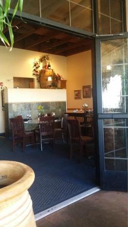 St. Clair Winery & Bistro: Nice dining rooms