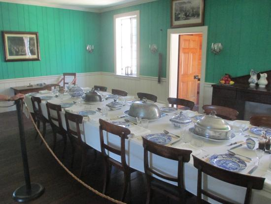Fort Vancouver National Historic Site: Fort Vancouver - Chief Factor's Residence Dining Room