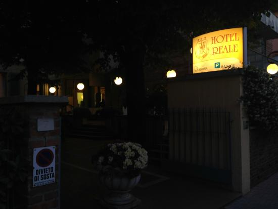 Hotel Reale: @ the front