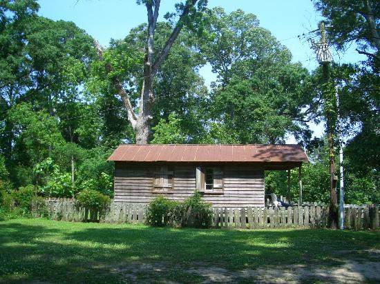 The Myrtles Plantation : Rent the private cabin