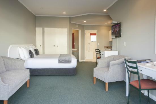 Cornwall Motor Lodge: One Bedroom Suite