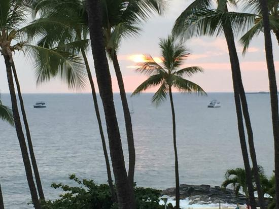 Royal Kona Resort: Sunset from our room