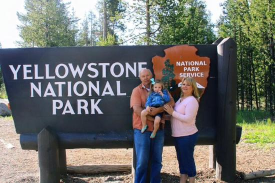 Dude/Round Up Motel: We love Yellowstone Park!