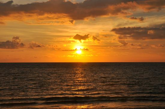 Pare-Pare, Indonesia: sunset di Pantai Bibir