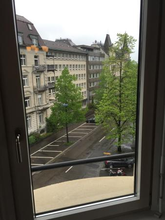 Alden Luxury Suite Hotel Zurich: 窓からの景色