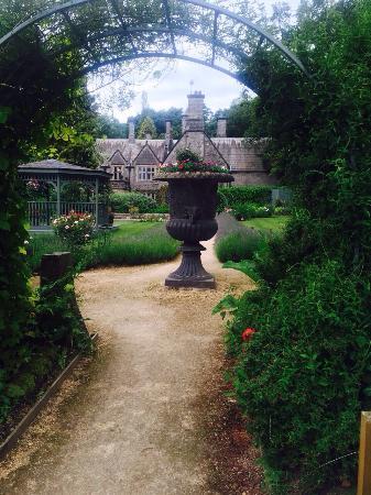 Mappleton, UK: The Secret Garden