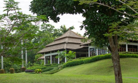 Laguna Bintan Golf Club: the cosy clubhouse