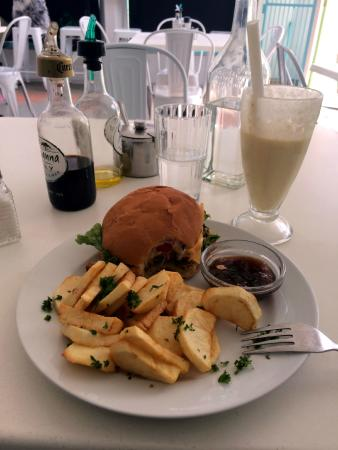 Cafe Ganesh: Ganesh - Lamb Burger