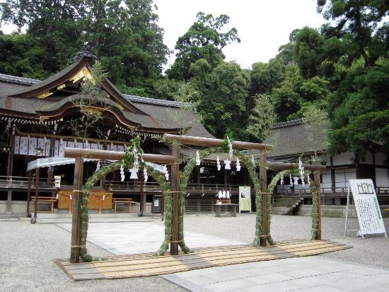 大神神社, 夏越し茅の輪