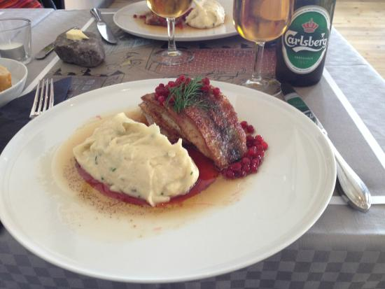 Maritim Krog & Hotell: Herring with ligonberries & potatoes anchovies puree