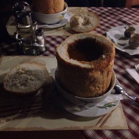 Laci csarda: Суп Чорба в хлебе