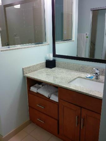 HYATT House Denver Airport: Sink
