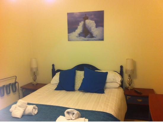 Avoca House Bed and Breakfast: Cozy Room