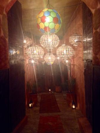 Riad Lotus Privilege: Amazing food, service and entertainment at this lovely Riad.