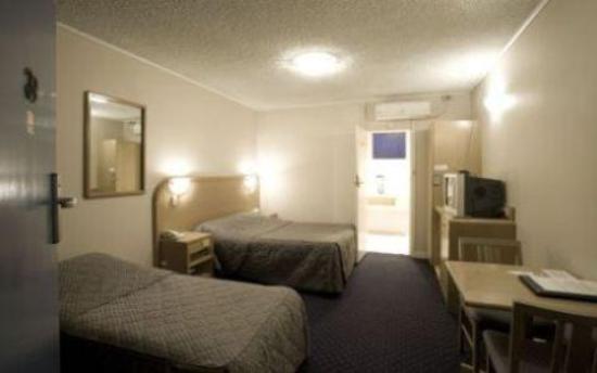 Dorset Gardens Motel/Hotel