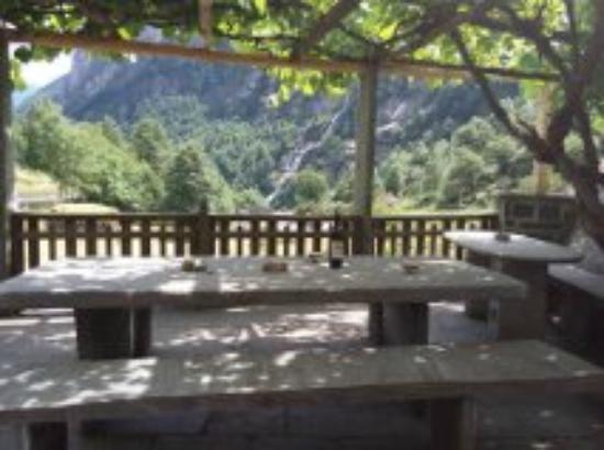 Grotto di Baloi: Cascade