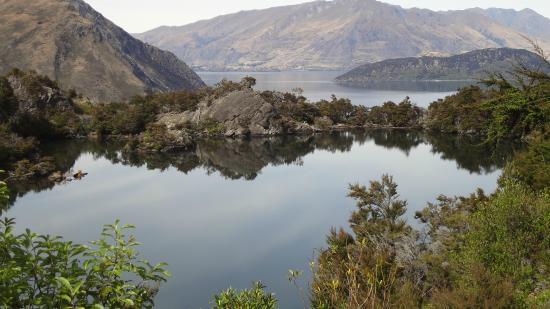 Eco Wanaka Adventures: Lake in a lake