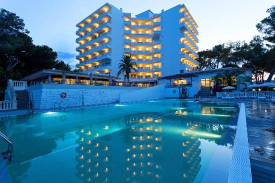 Alua calvia dreams magaluf majorca hotel reviews for Kapfer pool design mallorca