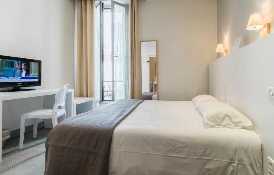 Chambre double standard - Picture of HOTEL P.L.M, Cannes - TripAdvisor
