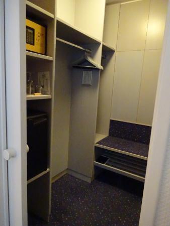Hecker's Hotel Berlin : クローゼット