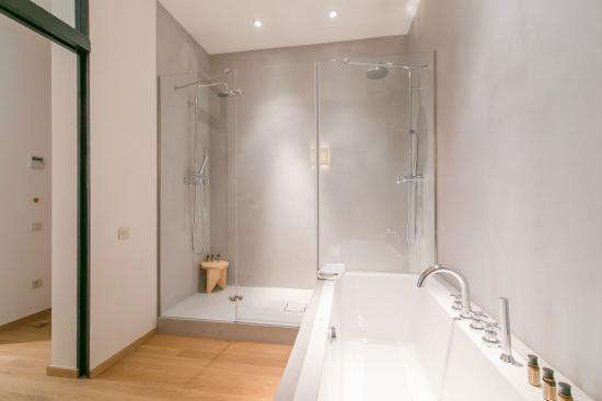 Margot House Barcelona : Bathroom picture of margot house barcelona tripadvisor