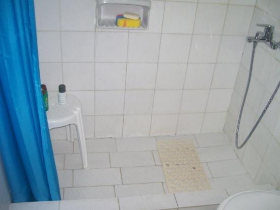 Aegean Hotel: doccia