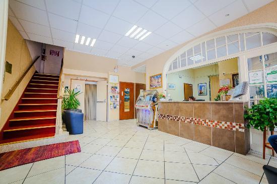 Hôtel du Parc : Réception - Lobby