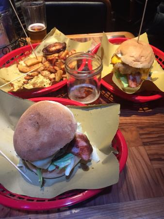 Brasserie 4 20: The best burger in Roma! Searching for craft beer and found this gem!