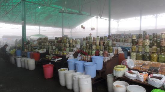 Khankendi, Aserbaidschan: Stepanakert Shuka (farmers market)