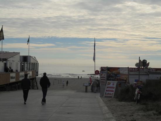 Egmond aan Zee, The Netherlands: STRAND BIJ WINKELSTRAAT