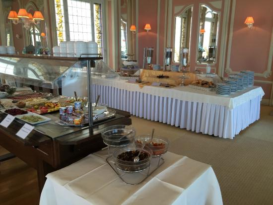 Eden Palace au Lac: Buffet breakfast
